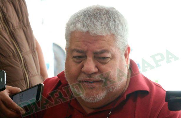 """""""Resbalón"""" comentario de Hipólito Rodríguez sobre profesionistas xalapeños: Manuel Huerta"""