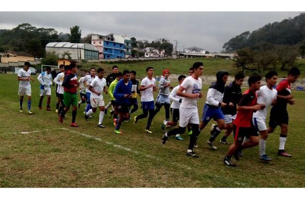 Los jugadores practicaron la táctica para enfrentar al segundo lugar del grupo dos Alpha Puebla.