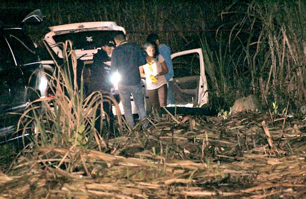 Identifican cuerpo descuartizado y abandonado dentro de auto
