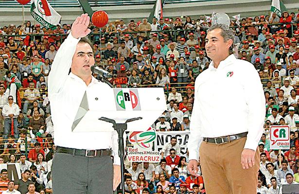 PRI muestra su músculo al hacer su candidato a José Yunes Zorrilla