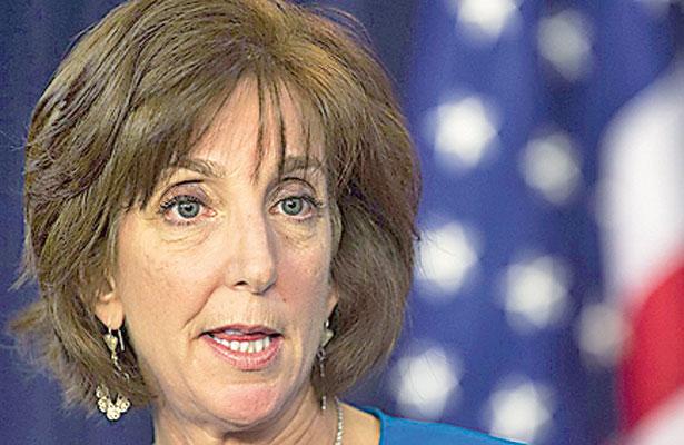 Embajadora de EU avala captura de expolicías vinculados a desapariciones