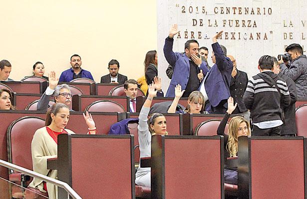 No quitan fuero; dictamen no reunió mayoría calificada de diputados