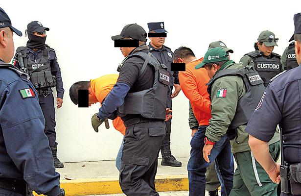 Expolicías golpeaban, violaban y desaparecían a víctimas: Fiscalía