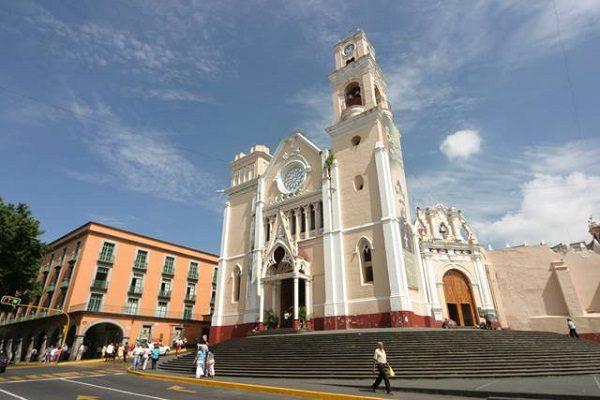 Reconoce la Arquidiócesis de Xalapa a diputados  que votaron en favor de iniciativa popular