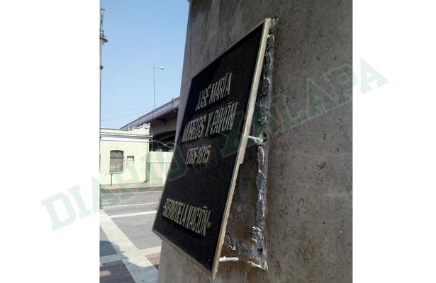 Intentan robarse placa de monumento a José María Morelos; ya hay un detenido