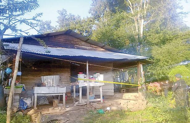 Policía se ahorcó en su vivienda; habría discutido con familiares