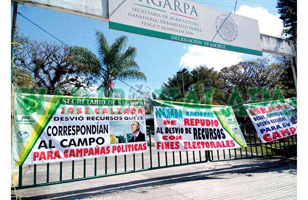 Integrantes de la UNTA toman instalaciones de la Sagarpa