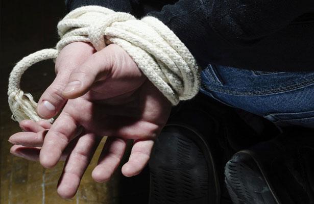 Hombres armados saquearon residencia y secuestraron a un hombre