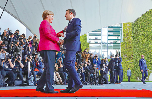Francia tendrá Primer Ministro de derecha; Macron dinamitará el gaullista