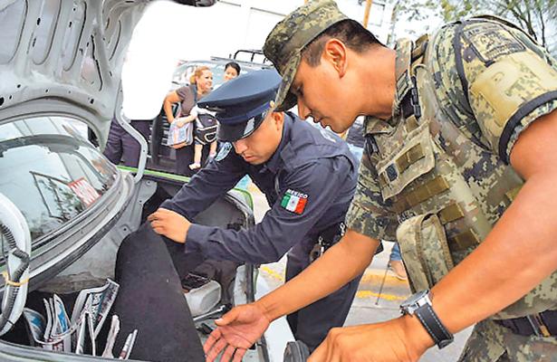 Abogados piden no militarizar mandos policíacos