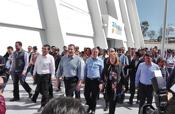 [Video] Doña Paquita inaugura centro deportivo en Puebla