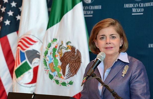 Somos positivos, pero con prudencia por Trump, considera Mónica Flores