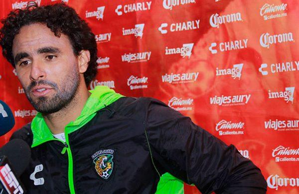 Enrique Esqueda podría irse al fútbol polaco