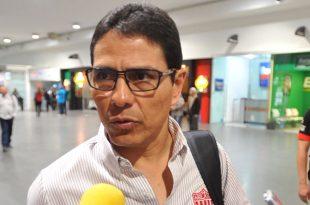 Aficionados del Necaxa encaran a Alfonso Sosa