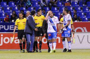 Jerónimo Amione estalla contra el arbitraje
