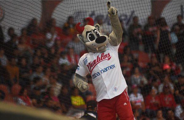 Tigres blanquea a Diablos Rojos y empata serie
