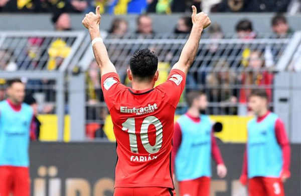 El Dortmund se recuperó en casa ante el Frankfurt