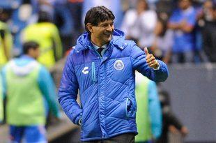 José Cardozo deja de ser entrenador de Puebla