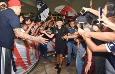 En medio de un carnaval llegó Chivas a la capital