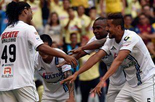 Cuando el Azteca se puso de pie ante Ronaldinho