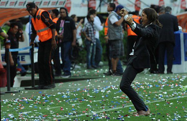 Maradona felicita a Almeyda por campeonato con Chivas