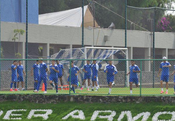 Cruz Azul oficializa la contratación del futbolista español Édgar Méndez