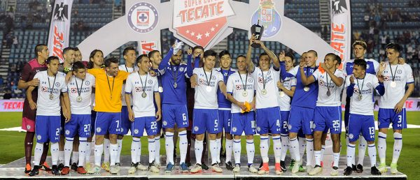 Cruz Azul vence al Porto y se lleva la Supercopa Tecate d3a289b1178f6