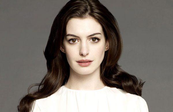 Filtran fotos íntimas de Anne Hathaway y su marido