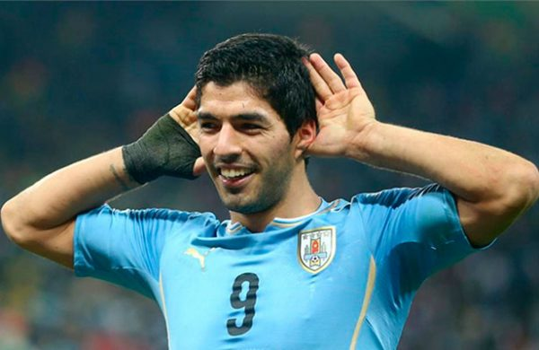 Luis Suárez trabajó con los titulares y jugaría ante Argentina