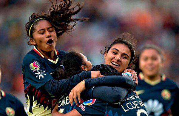 América triunfa con doblete de Silvio Romero