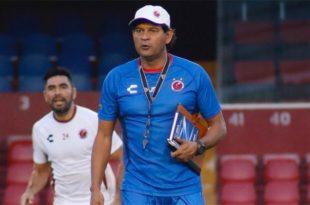Cardozo dirige su primer entrenamiento con Veracruz