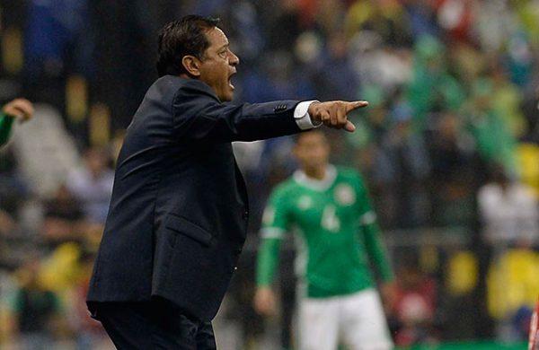Elías Hernández es baja del 'Tri' por lesión
