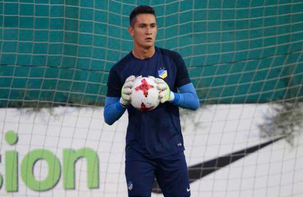Raúl Gudiño tiene nueva competencia en el APOEL