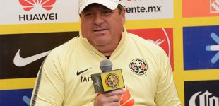Miguel Herrera destaca a su temible ofensiva previo al Clásico