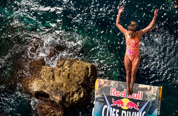Jonathan Paredes triunfa en el Red Bull Cliff Diving