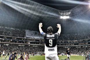 De Nigris se despide del futbol con emotivo homenaje