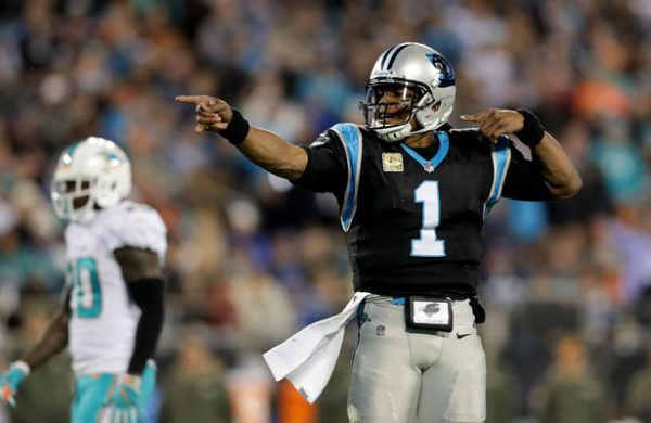 Cam Newton y Panthers 'pescan' a Dolphins