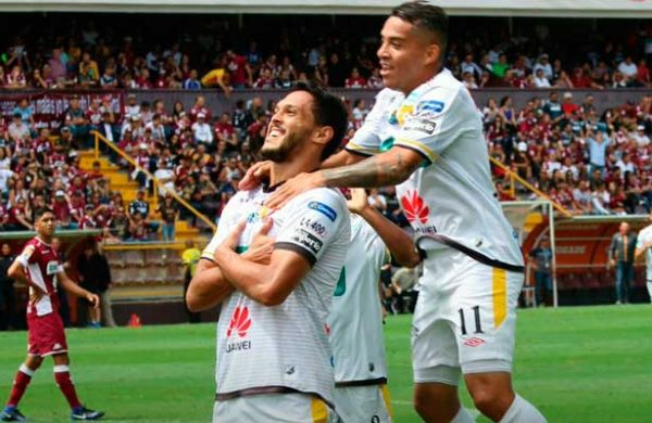 Saprissa y Herediano empataron 1 a 1