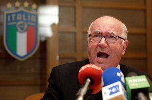 Presidente de la federación italiana renuncia a su cargo