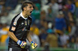 Entre lagrimas, Guzmán dedica título a la afición