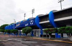 Roban pantallas del estadio de Celaya