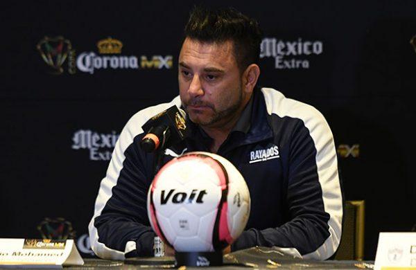 Mohamed reitera compromiso con Monterrey y niega su salida del club