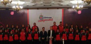 Gobernador recibe a las campeonas Chivas