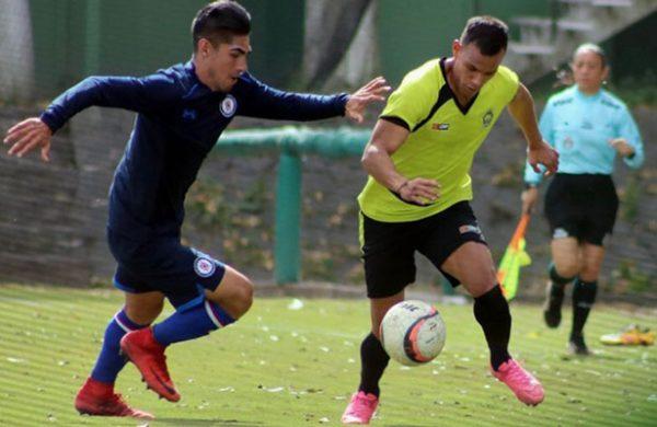Presentan a Carlos Fierro y Javier Salas con Cruz Azul