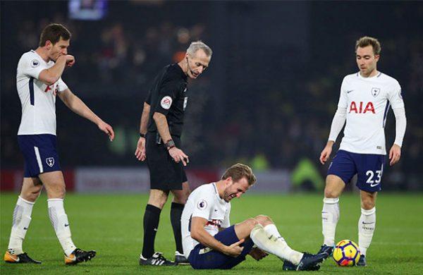 Roja para Sánchez en el empate de Tottenham con Watford