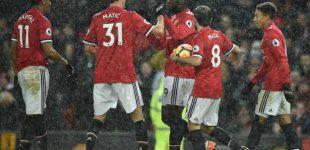 Manchester gana y acorta distancias al City