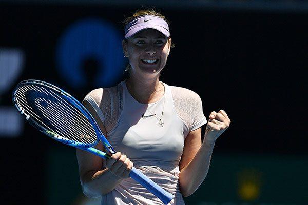 Maria Sharapova también avanza