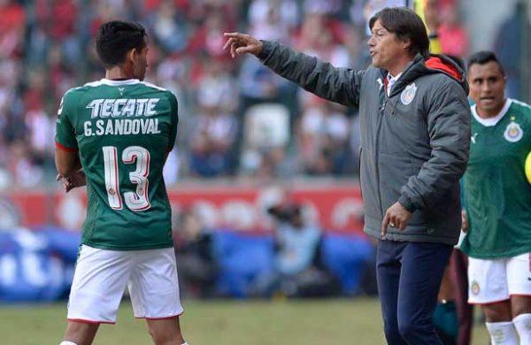 Fútbol Mexicano: Osvaldo González fue titular en empate de Toluca ante Chivas