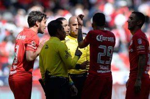 En Toluca quedaron molestos por el arbitraje