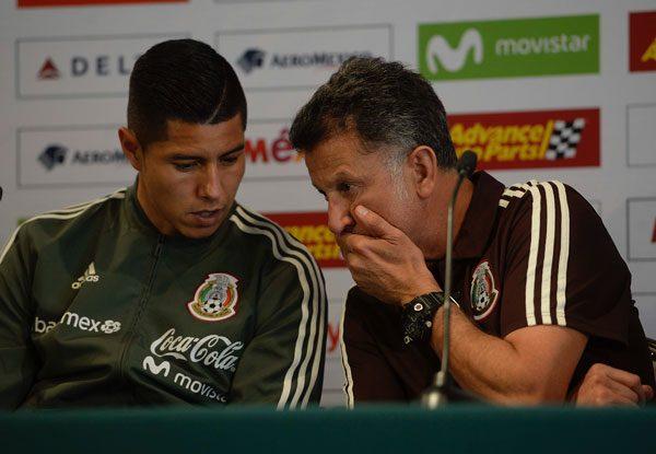 Víctor Guzmán es baja del Tri, Jesús Molina ocupa su lugar